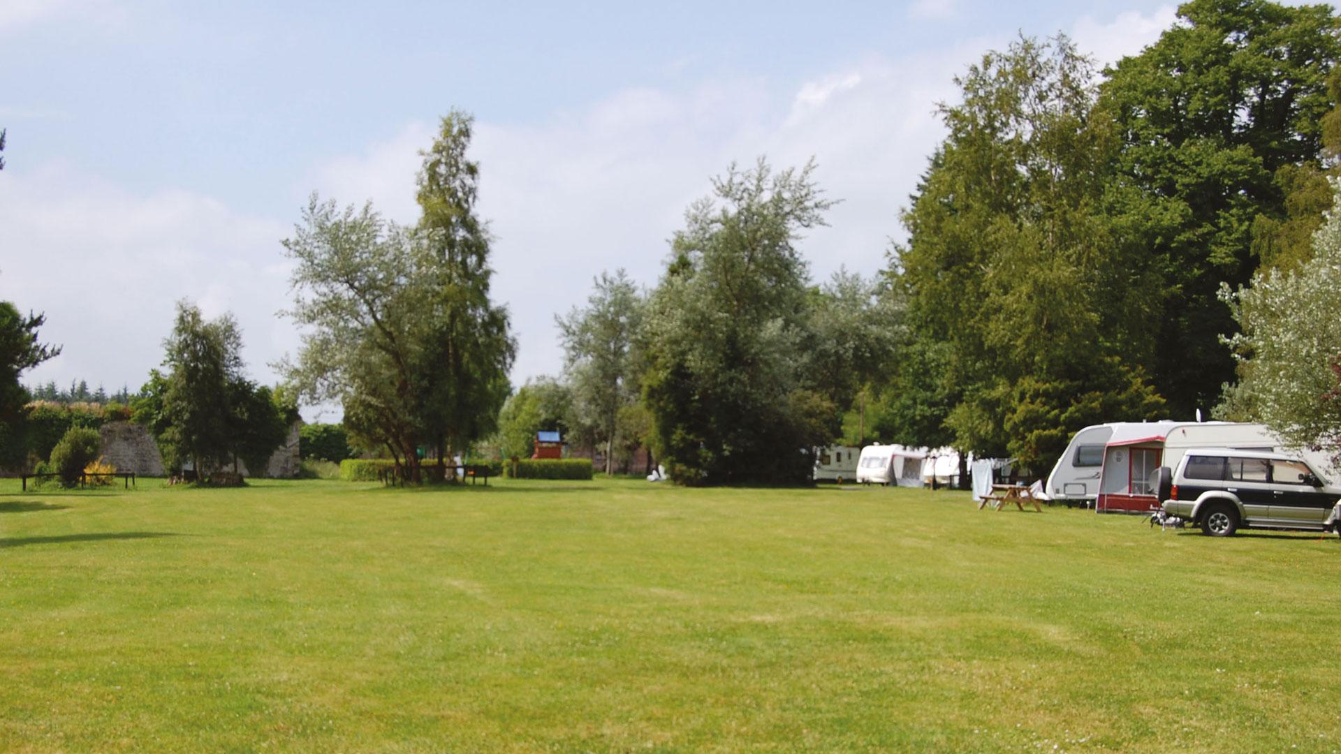 Book Motorhome Campsites & Campervan Sites in Cashel