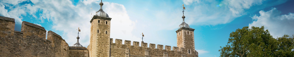 Tower-of-London (shutterstock, pisaphotography)