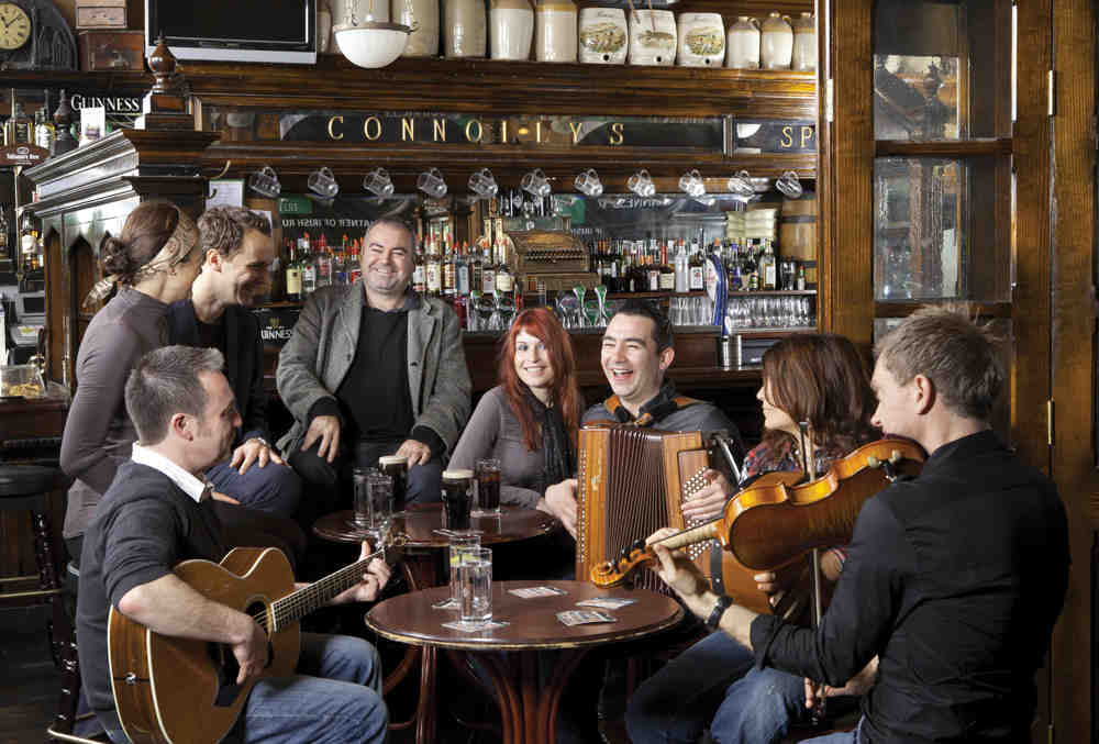 Ireland-Dublin-pub-music