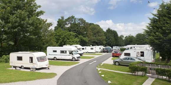 On the Shores of Lake Windermere Braithwaite Fold campsite, Campsites in the Lake District
