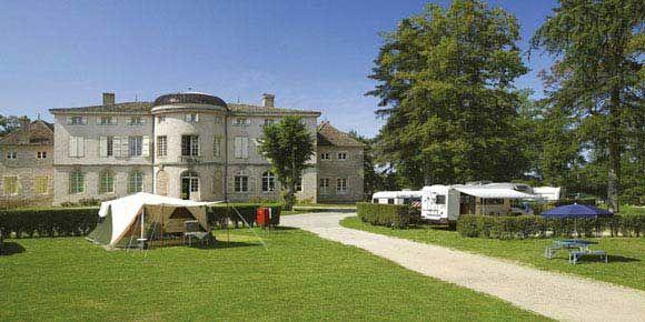 Campsites Burgundy; Château de l'Epervière campsite