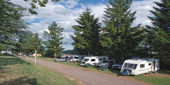 Campsites Burgundy; Lac de la Liez campsite