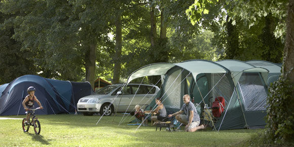 Chertsey campsite on the River Thames, London