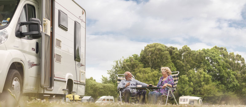 club-care-customers-by-motorhome-relaxing