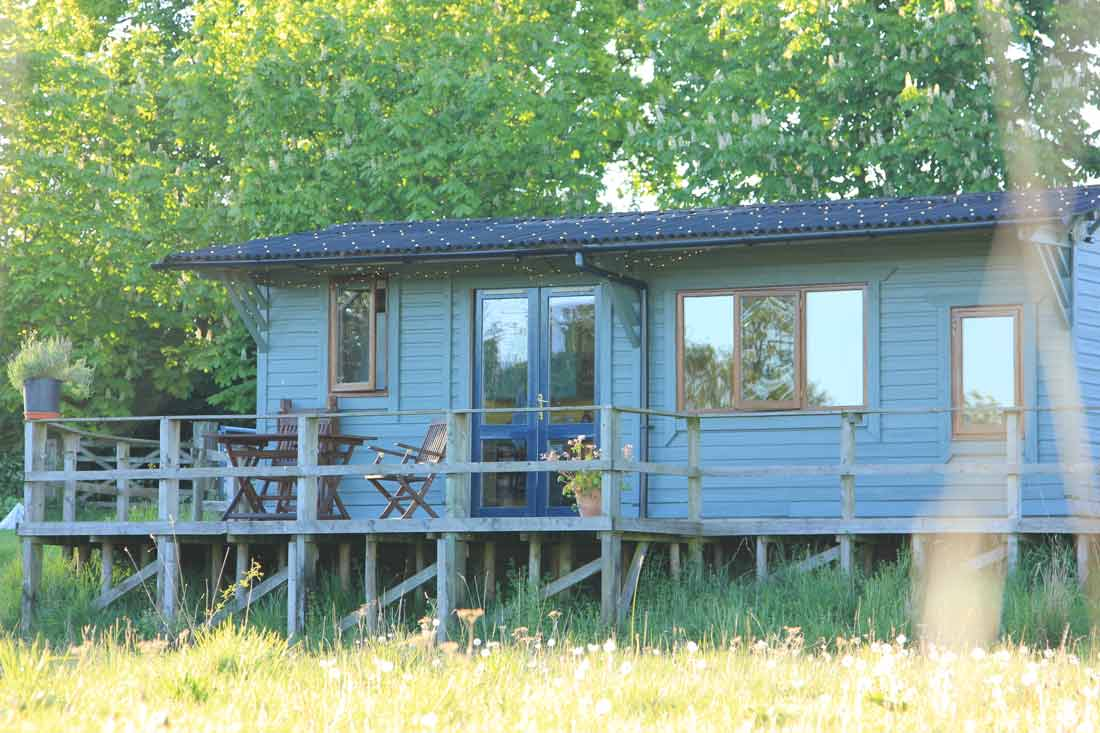 cabin-exterior-and-decking