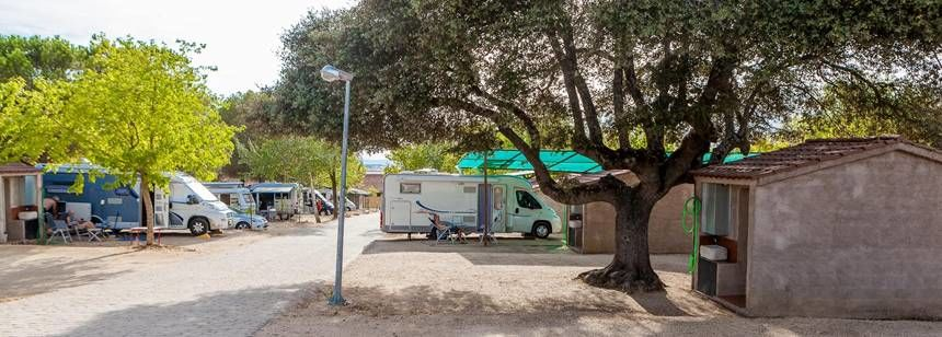 Camping Cáceres, in historic Cáceres, Spain - pitches have individual wash blocks