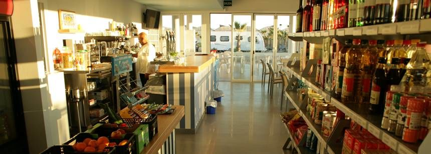 The bar and shop area at Mar Azul