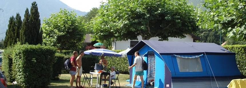 Grass Pitches and Scenic Views at the La Ravoire Campsite, France