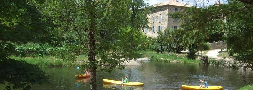 Les Ranchisses canoeing on site