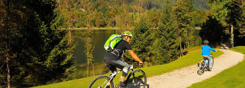Lakeside cycle ride, Seeblick-Toni campsite, Austria