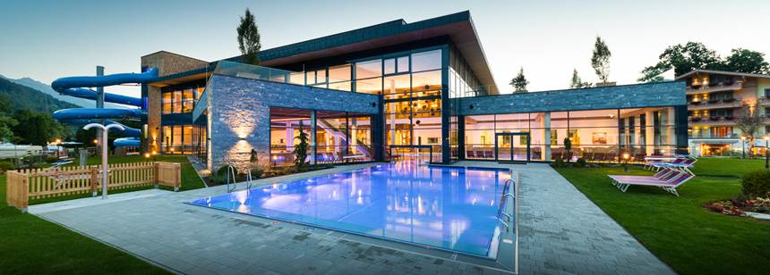 The swimming pools and wellness/spa centre at campsite Sportcamp Woferlgut, Austria