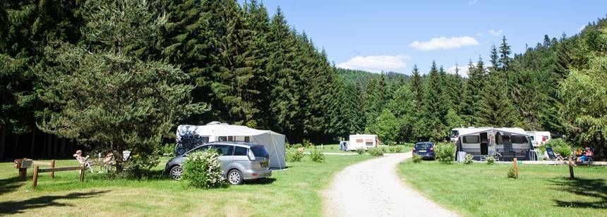 Pitches at Camping Le Vaubarlet, Auvergne