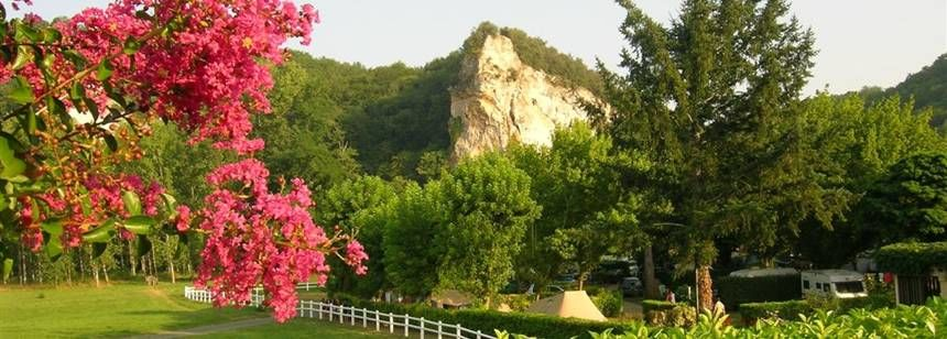 Relaxing, natural surroundings at Camping Soleil Plage, Dordogne