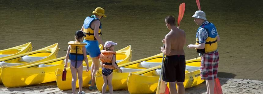 Water Sports Activities at the Soleil Plage Campsite, France
