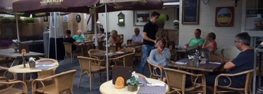 Restaurant terrace at Camping Vinkenhof, the Netherlands
