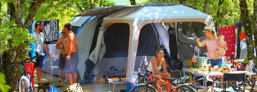 Camping pitch, Camping la Paille Basse, Souillac, Lot, France