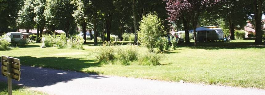 Gardens Grass Pitches at the Le Soulhol Campsite, France