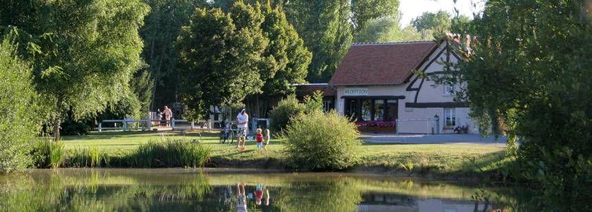 The lake and reception at les Saules