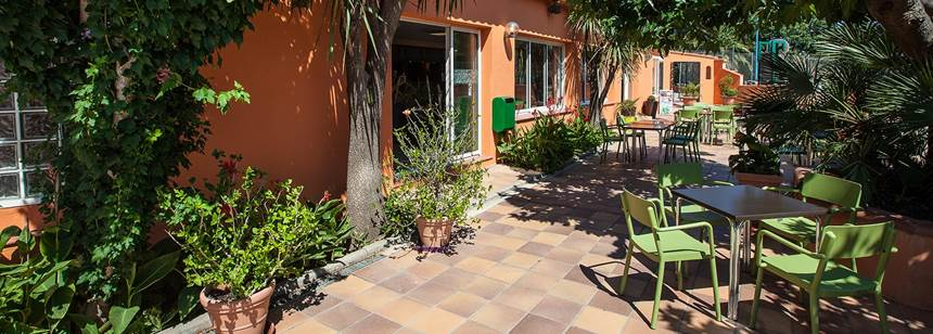 The patio area, Camping Ma Prairie, Canet Plage, Roussillon, France
