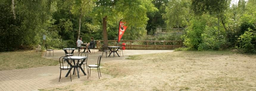 Camping Campix, Saint Leu d'Esserent near Chantilly and Paris - relaxing outside the bar and snack bar