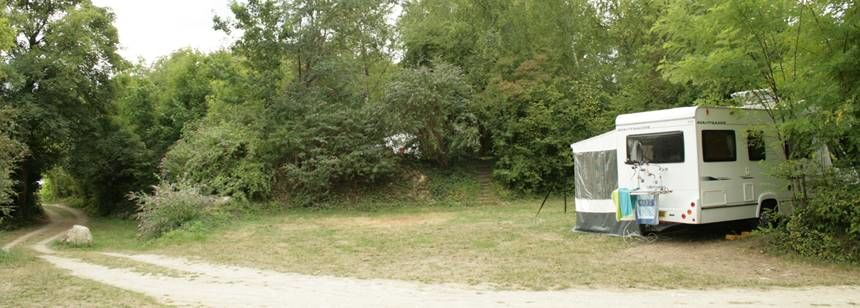 Camping Campix, Saint Leu d'Esserent near Chantilly and Paris - pitches in natural surroundings