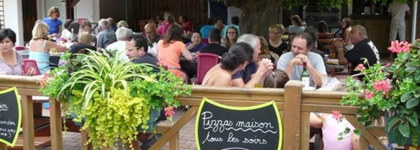 Snack bar terrace at Camping La Cigale, Arès, France