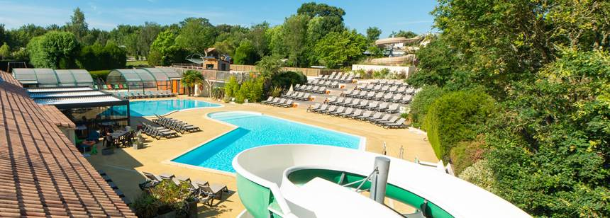 Pool complex and waterslides, Camping la Chênaie, Loire-Atlantique, France