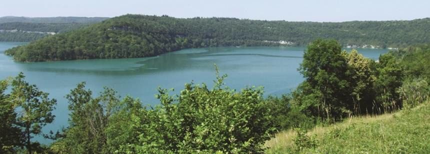 Lac de Vouglans near the Beauregard campsite, Mesnois, France