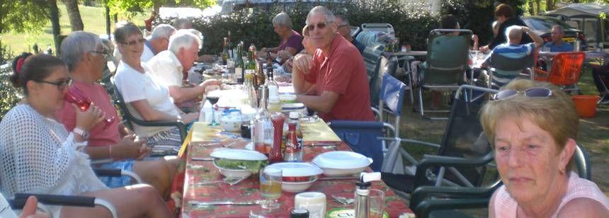 Ralliers enjoying an al fresco meal, Saint Avit Loisirs Rally, Dordogne/Perigord