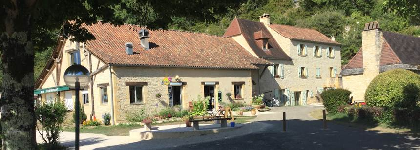 Reception, shop and bar, Camping Moulin de Paulhiac, Daglan, Dordogne, France