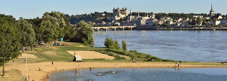 The banks of the Loire near Camping L'Île d'Offard, Saumur, France