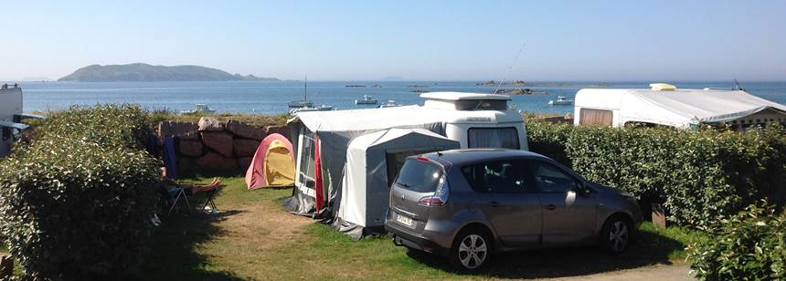 Camping on the beach, Camping les 7 Iles, Trélévern, Brittany, France