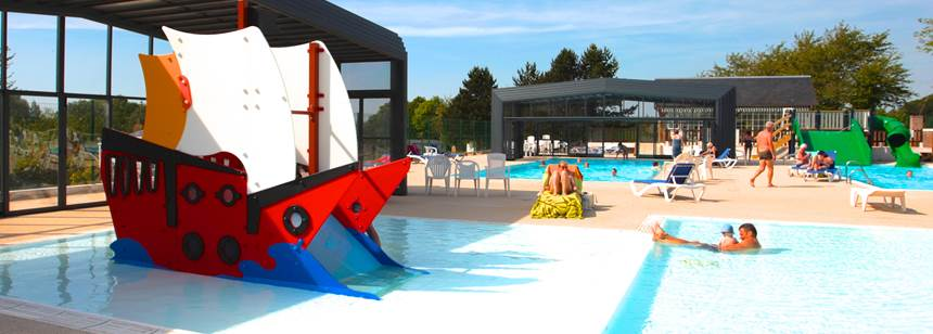 Swimming pools at Château Camping Domaine de Drancourt, Saint Valery-sur-Somme, Picardy