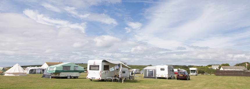 caravans pitched up on Bude Campsite