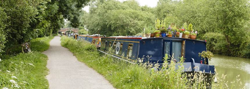 canal boat near Devizes Club Site