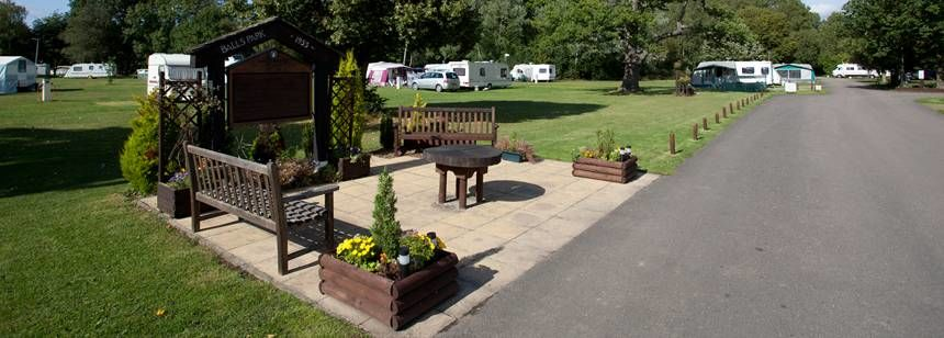 Facilties and Grass Pitches For Your Caravan, Camper and Tent at Hertford Camp Site, Hertfordshire