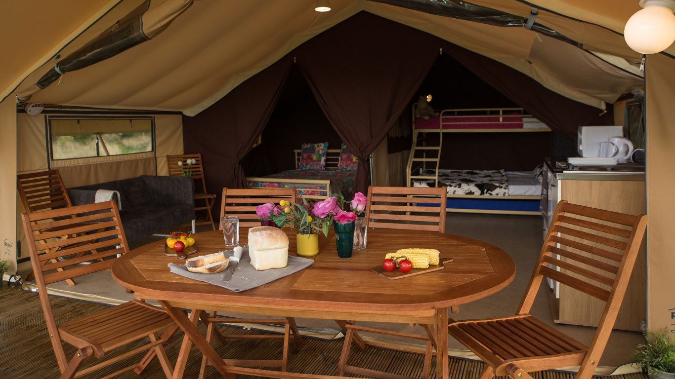 & Drayton Manor Glamping | Luxury Camping near Tamworth - Ready Camp